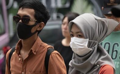 Malajská vláda urazila tamní ženy. V karanténě jim radí používat make-up a neotravovat muže