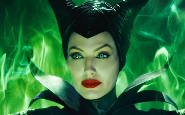 Maleficent 2 so zmyselnou Angelinou Jolie bude veľkolepejším filmom než jednotka. Ponúkne množstvo mágie a temnoty