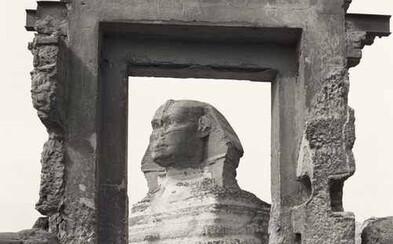 Málo vídané fotografie najznámejšej sfingy sveta zaujmú každého nadšenca histórie. Ako vyzeral symbol Egypta pred desiatkami rokov?