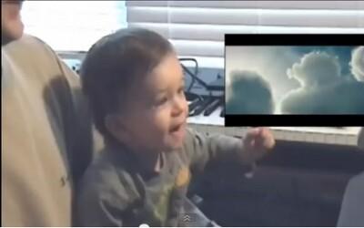 Malý chlapec milo prežíva najnovšieho Supermana
