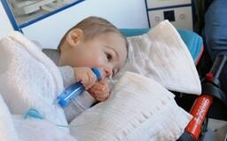 Malý Riško trpiaci zriedkavým ochorením už dostal potrebný liek. Slováci mu poslali viac než 2 milióny eur