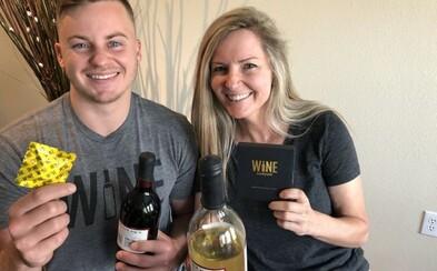 Mama so synom predávajú kondóm na víno a ich tržby dosahujú státisíce. Nedopitý alkohol môžeš v prezervatíve ľahko uskladniť