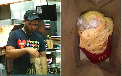 Manažer McDonald's prodával během pracovní doby s jídlem i kokain. Než mu na to přišli, stihl vydělat víc než 10 000 dolarů