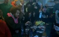 Maniak ke dni vydání svého mixtapu představuje i nový videoklip Ach Ano IV