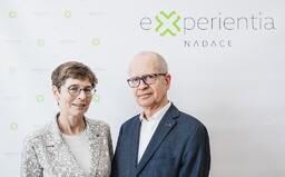 Manželé Dvořákovi věnují českým vědcům 1 milion korun na boj s koronavirem