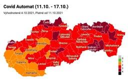 MAPA: Hodiny pre seniorov sú zrušené. Slovensko je už prevažne v červenej farbe, máme už aj bordovú