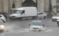 MAPA: Na Slovensku budú zúriť búrky, v týchto okresoch môžu udrieť najsilnejšie