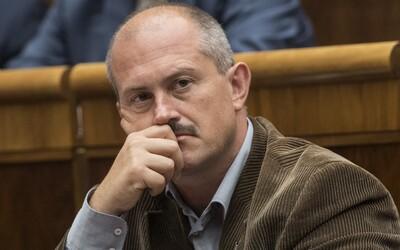 Marcový prieskum AKO: Klesajú strany SaS aj OĽaNO, Kotleba by sa do parlamentu nedostal