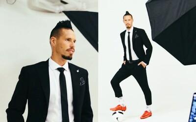 Marek Hamšík nadizajnoval svoj vlastný oblek. Futbalové lopty alebo kratšie nohavice si určite nečakal