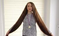 Margarétu z Prievidze zapísali do knihy rekordov. Najdlhšie vlasy má vraj z gumených medvedíkov
