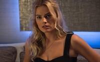 Margot Robbie si v pripravovanom thrilleri Dreamland zahrá hľadanú bankovú zlodejku. Vypátrať sa ju bude snažiť 15-ročný chlapec