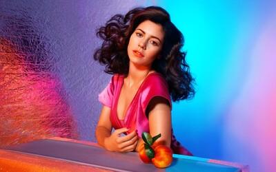 Marina a jej kamoši The Diamonds s novým albumom Froot veľmi neprekvapili (Recenzia)