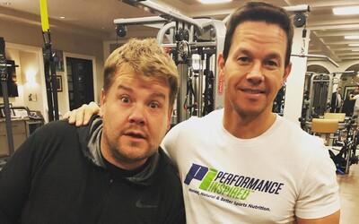 Mark Wahlberg nechal svoj extrémny denný režim vyskúšať Jamesa Cordena