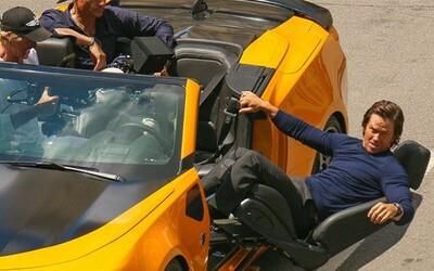 Mark Walhberg a Bumblebee v akcii na natáčaní Transformers 5. Návrat ktorých robotov už Michael Bay potvrdil?