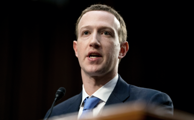 Mark Zuckerberg odkazuje miliardárom: Nikto si nezaslúži mať toľko peňazí