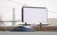 Marketingová agentúra nechala po celom meste prázdne billboardy, aby si ľudia oddýchli od otravnej reklamy