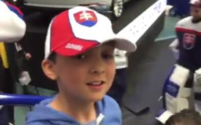 Marko Daňo ukázal veľké srdce, keď malému fanúšikovi prenechal svoju hokejku