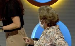 Maroš Kramár šteklil maskérku na zadku, ostatní účinkujúci sa na tom zabávali. TV JOJ asi odvysielala sexuálne obťažovanie