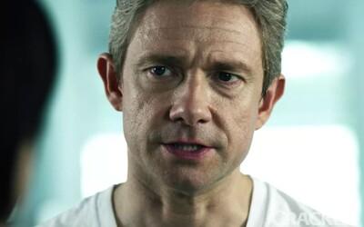 Martin Freeman se jako agent FBI v traileru k seriálu StartUp snaží rozprášit skupinu stojící za digitální měnou