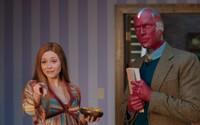 Marvelácky seriál WandaVision ti zamotá hlavu. Prvé dve epizódy uvidíme už v piatok