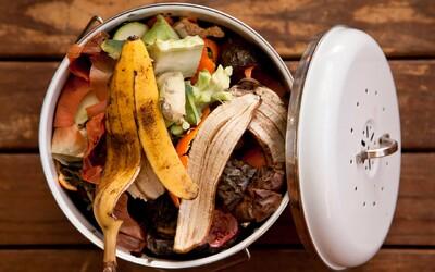 Máš aj ty v chladničke obrovský bordel? Ušetriť môžeš stovky eur, každý rok totiž končí v koši až 1,3 miliardy ton jedla