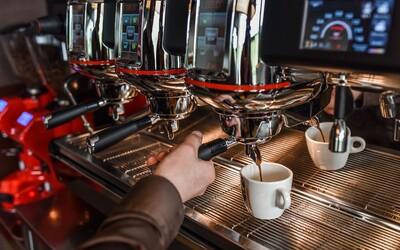 Máš chuť na kúsok domácej exotiky? Poznáme miesto, kde ti pripravia kávu z kolumbijskej plantáže patriacej Slovákovi