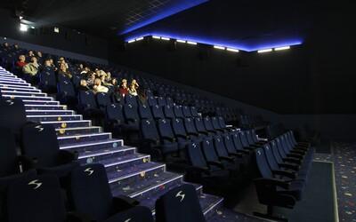 Máš výčitky, že si bol cez víkend len v kine? Podľa vedcov si si pri tom aj trochu zacvičil