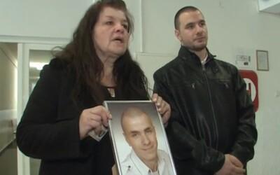 Matka žiada 450-tisíc € ako odškodné za smrť svojho 20-ročného syna. Za jeho usmrtenie obvinili dvoch lekárov