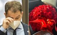 """Matovič dostal na narodeniny kyticu ruží. """"Ste náš bojovník a človek s veľkým, ľudským srdcom,"""" odkázala mu jeho fanúšička"""