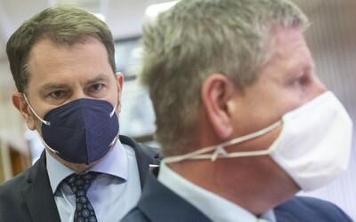 """Matovič pustil Lengvarskému takmer 4 milióny eur na očkovaciu kampaň, ale dvíha varovný prst. Prvé peniaze vraj skončili """"v koši"""""""