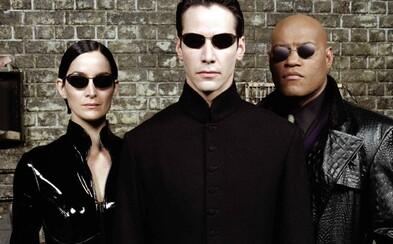 Matrix 4 je podľa Keanu Reevesa príbehom o láske. Budeme cestovať v čase?
