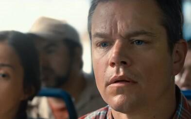 Matt Damon sa chce v originálnej sci-fi satire spolu s manželkou zmenšiť a pomôcť tak planéte s preľudnením