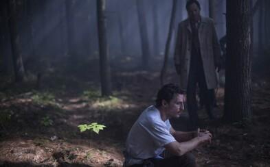 Matthew McConaughey prekonáva démonov svojej minulosti na mieste, kam ľudia chodia umierať