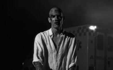 Matys je v novom filmovom videoklipe blízko smrti