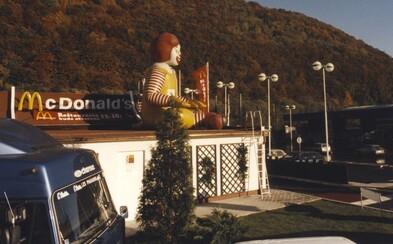 McDonald's je na Slovensku už 25 rokov. Vedel si, že prvá prevádzka bola v Banskej Bystrici?