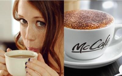 McDonald's si utahuje z hipsterských kaváren, kde za kávu utratíš i 200 korun. Podle nich je i tak nejlepší v McCafé