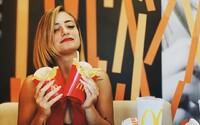 McDonald's spouští spolupráci s Dáme jídlo. Jídlo ti doručí do 20 minut