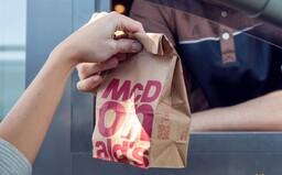 McDonald's spúšťa nový typ prevádzok: Bez stoličiek a stolov, s holými stenami