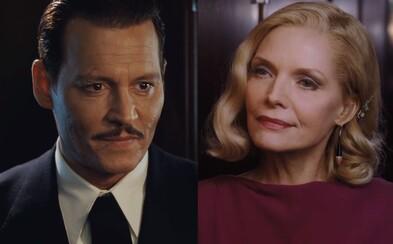 Medzi Johnnym Deppom a Michelle Pfeiffer v ukážke z Vraždy v Orient Exprese cítiť jemný flirt i neskrývané pohŕdanie
