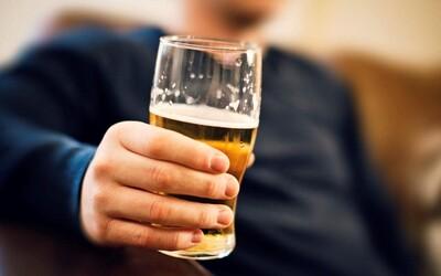 Medzi najnávykovejšie látky na svete patria aj alkohol a nikotín. Za kokaínom zaostávajú len veľmi tesne