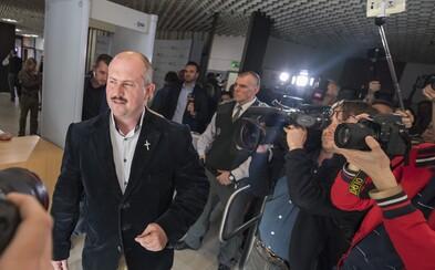 Medzi stredoškolákmi by v európskych voľbách vyhrali kotlebovci