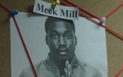 Meek Mill a Future varia v klipe z nedávneho albumu drogy, zatiaľ čo ich odpočúva polícia