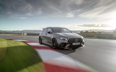 Mercedes-AMG odhalil superšporty medzi kompaktmi. 45-kové novinky majú najsilnejší dvojliter na svete