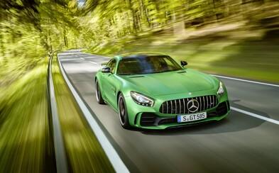 Mercedes-AMG predstavuje najlepšie cestné športové auto, aké kedy vyrobil. Toto je 585-koňové GT R!