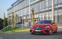 Mercedes-Benz E 350d: Šarmantná výkladná skriňa najmodernejších technológií (Test)
