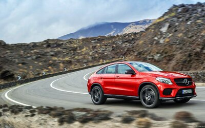 Mercedes-Benz GLE Coupé: ML-ko s novým názvom a štýlovou karosériou odhalené!