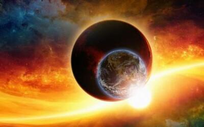 Mesiac a Slnko sú podľa najnovšej teórie len hoax. Má ísť o obrovské reflektory, ktoré utajujú skutočnú pravdu