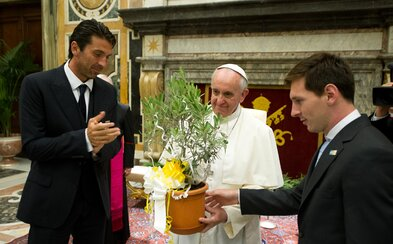 Messi je velmi dobrý, ale není Bůh, řekl papež František o fenomenálním fotbalistovi
