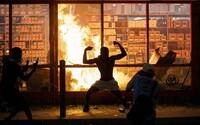 Mestá v USA sa zmietajú v protestoch. George Floyd nebol prvým Afroameričanom, ktorý zomrel po neprimeranom zákroku polície