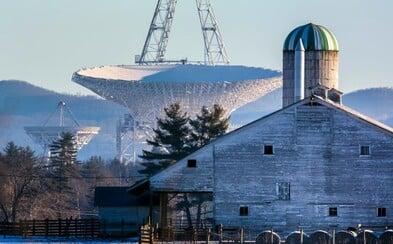 Mestečko, kde sa nepripojíte na internet a ani na akékoľvek iné siete. Aké je to žiť vedľa teleskopu?